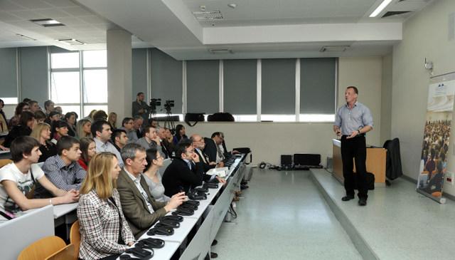 _DJT9655 Megatrend Sajmon Stokli predavanje net